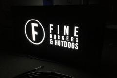 Svetelná reklama FINEBURGERS