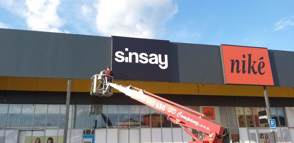 svetelné reklamy – sinsay Rožňava