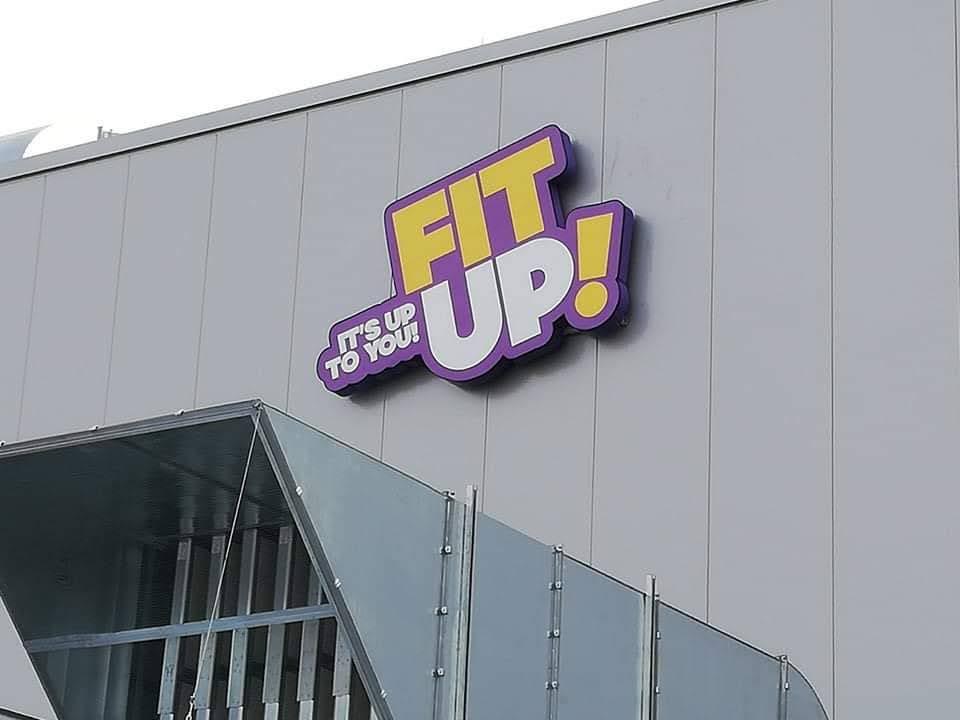 svetelné logá FIT-UP!